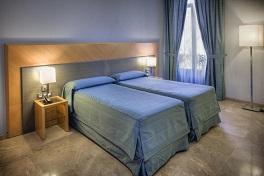 Hotel del Mar Room